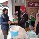 Kolaborasi Bersama Komunitas Bantu Dhuafa Dengan Rumah Makan Rakyat